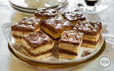 Tiramisu, Waffles, Baking, Breakfast, Ethnic Recipes, Food, Morning Coffee, Bakken, Essen