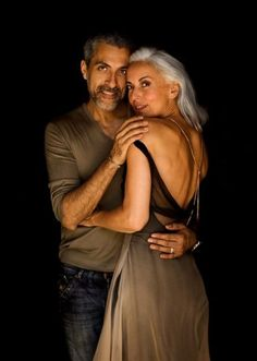 yasmina rossi and husband grey with brown Long Gray Hair, Silver Grey Hair, White Hair, Yasmina Rossi, Ageless Beauty, Advanced Style, Young At Heart, Going Gray, Style And Grace