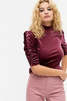 Outfit Inspiration For The Holidays That You Will Love   I ON IMAGE   Style Leather Look Jeans, M Beauty, Black Velvet Dress, Comfy Dresses, Velvet Tops, Holiday Fashion, Monki, Festival Fashion, Turtle Neck