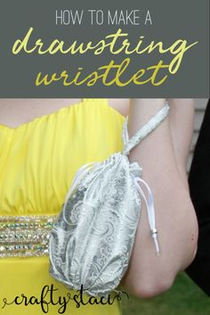 How to make a drawstring wristlet from craftystaci.com #bagpatterns #wristletpatterns #eveningbag