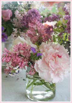 Aiken House & Gardens: Flower Power