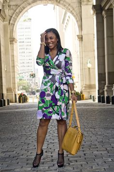 DVF New Jeanne 2 Green & lavender print on a curvy woman