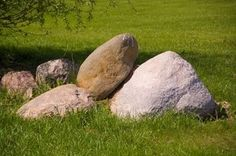 DIY How to Make a Lightweight Faux Rock for a Backyard Read more : http://www.ehow.com/how_6116957_make-lightweight-faux-rock-backyard.htmlLarge rocks can hide unsightly areas of your yard.