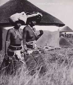 Xhosa culture African Tribal Girls, Tribal Women, Xhosa Attire, African Attire, Beautiful African Women, African Beauty, African Culture, African History, Africa Tribes