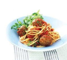 Herby meatballs with spaghetti and tomato sauce - Healthy Food Guide Meatball Recipes, Meat Recipes, Healthy Recipes, Healthy Foods, Supper Recipes, Supper Meals, Spaghetti And Meatballs, Eat Smarter, Everyday Food