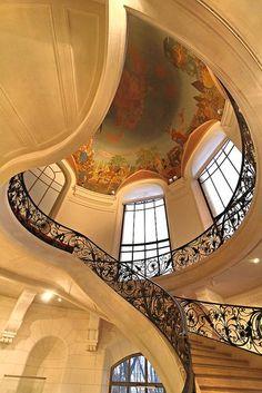 Details, details...Stairs, Le Petit Palais, Paris, France, photo by J-Marie BOYER via Flickr.