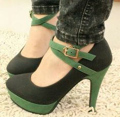 HighHeels.Green. Follow me for more lovely fashion pins @myemilypierce #women #fashion #twinkle #solidcloset #green