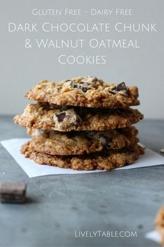 Dark Chocolate Chunk Walnut Oatmeal Cookies| Dark Chocolate and Walnut ...