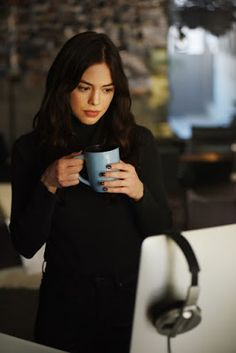 DC Universe Source — First look at Conor Leslie as Donna Troy in. Jason Todd, Live Action, Titans Tv Series, Conor Leslie, Series Dc, New Teen, Female Fighter, Star Girl, Dc Heroes