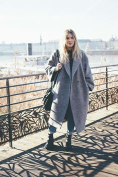 Oversize coat H&M Winter street style 2016-2017 www.theoverview.fr
