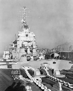 Battleship HMS Vanguard (23) Naval History, Military History, Hms Vanguard, Capital Ship, Military Photos, Armada, Navy Ships, Power Boats, Submarines