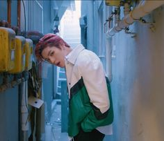 He looks so freakin hot and attractive here     #taeyong #nctu #nct #yestoday