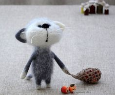 Needle Felted Dolls Cats and Mice of Elena Covert NeighborKitty featured on www.livingfelt.com/blog