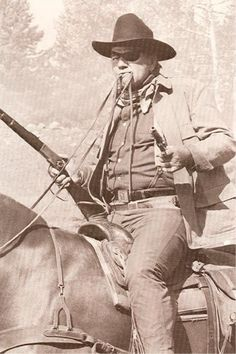 "JOHN WAYNE ""TRUE GRIT"" MOVIE PHOTO POSTCARD"