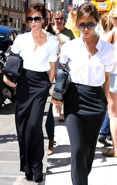 Becks looking fab as always! Victor Victoria, Victoria And David, Victoria Beckham Outfits, Victoria Beckham Style, Victoria Fashion, Pencil Skirt Outfits, Mein Style, Outfit Sets, Summer Outfits