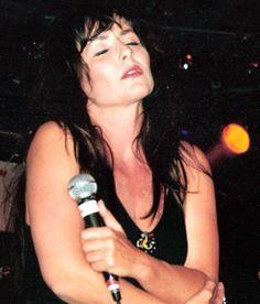Angela Groothuizen met Girls Wanna Have Fun, jaren 90. Foto: Mary Kouwenhoven Fotografie, Brunssum