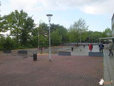 Betonbank DeLuxe Antraciet bij Scholengroep Cambium in Zaltbommel