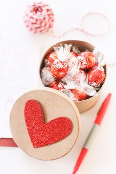 DIY Lindt Chocolate Box Valentines + Printable from @cydconverse