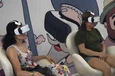 11/06/16 Visitantes del pabellón Samsung disfrutando de la Samsung Gear VR, con el que se muestran contenidos 360º de carácter cultural y educativo.Foto © Jorge Aparicio/ FLM16