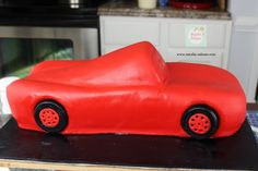 Rayo McQueen Cake paso a paso| Natalia Salazar - Disney Cars Party, Disney Cars Birthday, Lighting Mcqueen Cake, Fondant Tutorial, Fondant Toppers, First Birthday Cakes, Hot Wheels, Mc Queen, Catering
