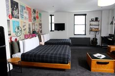 Ace Hotel New York is a historic boutique hotel and cultural hub in Midtown Manhattan, known for its bustling lobby, local art and soft beds. Ace Hotel New York, W Hotel, York Hotels, Nyc Hotels, Budget Hotels, Madison Square Garden, Manhattan, Double Room, Hotel Interiors