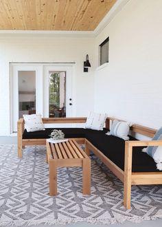 Wood Patio Furniture, Outdoor Furniture Plans, Sectional Patio Furniture, Diy Exterior Furniture, Diy Home Furniture, Building Furniture, Backyard Seating, Diy Sofa, Diy Patio
