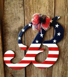 Wooden Door Hanger Patriotic Letter B by RKDragonfly on Etsy. It would be cute to have one for every season. Letter Door Hangers, Wooden Door Hangers, Wooden Doors, Patriotic Crafts, July Crafts, Patriotic Flags, Fourth Of July, 4th Of July Wreath, Oster Dekor