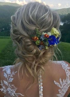 Browse here to see so many amazing styles of bun and updos to wear on special occasions and also on wedding events. You may get this styles and learn how to create it beautifully just by visiting this link. Wedding Hairstyles For Women, Elegant Hairstyles, Bun Hairstyles, Updo Hairstyle, Haircuts, Bun Updo, Braided Updo, Long Hair Wedding Styles, Long Hair Styles