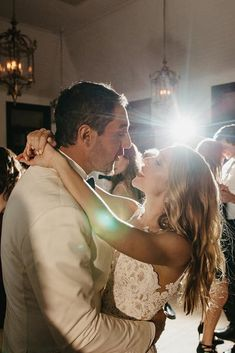 30 Wedding Party Pictures You Won't Want To Miss ❤ wedding party pictures dance floor bride and groom elin bandmann photography ❤ See more: http://www.weddingforward.com/wedding-party-pictures/ #wedding #bride #weddingpartypictures