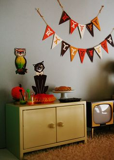 Retro Halloween display