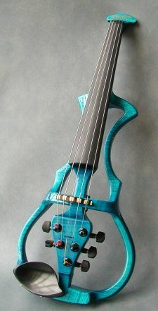 electric violin---Need to show this tom my niece Nidalis. She would appreciate this!