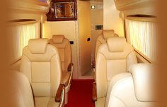 Luxury tempo traveller hire in Delhi with tempotravellerhire.net.in