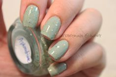 """Fiiiiinally! A new post!  So I (along with many people, I'm assuming) am so obsessed with the mint color this Spring! This color is called """"Aphrodisiac"""" & it's by Wonder Beauty Products (you can find her collection on Etsy here). With her collection, you basically receive a little palette/kit that includes a jar with the main color, a bottle of clear coat, and a mixing stick. You have to constantly mix the color in order to get the glitters around evenly, and I literal"""