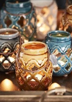 House Rooms, Winter Season, Moscow Mule Mugs, Candle Holders, Blog, Candles, Seasons, Tableware, Cupboard