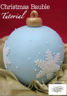 from Cake Masters Magazine - December cake bauble cake Christmas Cake Designs, Christmas Cake Decorations, Christmas Cupcakes, Christmas Sweets, Christmas Cooking, Holiday Cakes, Noel Christmas, Christmas Baubles, Christmas Goodies