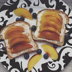 This morning's breakfast was SO GOOD. I did two pieces of toasted @naturesownbread (3sp), topped with a mixture of ricotta cheese (3sp) and sugar free syrup (0sp), sliced peaches, and cinnamon. (ariellesays)
