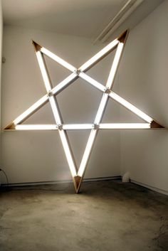Desi Santiago Mood Light, Light Art, Lamp Light, Art Sketches, Art Drawings, Cool Light Fixtures, Star Art, Bright, Neon Lighting