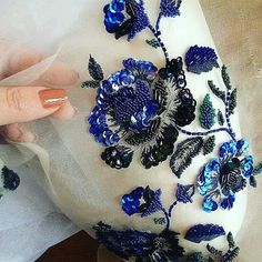 Tambour Beading, Tambour Embroidery, Couture Embroidery, Embroidery Fashion, Embroidery Stitches, Embroidery Art, Embroidery Online, Types Of Embroidery, Hand Embroidery Designs