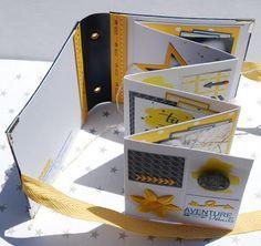 Scrap E Breizh: Un petit mini album en passant. Très Scrap E Breizh: Un petit mini album en passant. Mini Albums Scrapbook, Photo Album Scrapbooking, Scrapbook Paper Crafts, Baby Mini Album, Mini Album Tutorial, Album Book, Handmade Books, Smash Book, Bookbinding