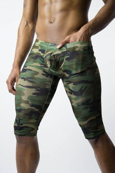 Show off your definition Marine Mom, Stylish Mens Fashion, Military Men, Mens Activewear, Guys And Girls, Spandex Fabric, Army Green, Camouflage, Biker