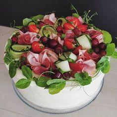 berry bakes (@berry.bakes) • Instagram-kuvat ja -videot Berry, Baking, Vegetables, Instagram, Food, Bread Making, Blueberries, Meal, Bakken