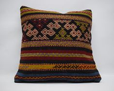 large kilim pillow decorative kilim pillow naturel kilim pillow bohemian kilim pillow et Sofa Throw Pillows, Boho Pillows, Kilim Pillows, Kilim Rugs, Decorative Pillows, Hand Weaving, Pillow Covers, Bohemian, Cushion Pillow