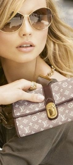 LIFESTYLE OF A BACHEELORETTE                          Louis Vuitton
