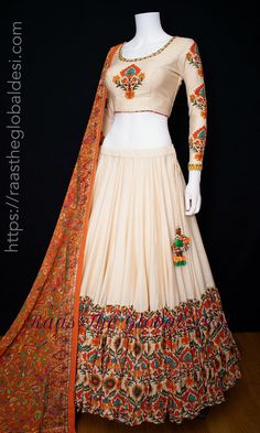 Indian Gowns Dresses, Indian Fashion Dresses, Dress Indian Style, Indian Designer Outfits, Half Saree Designs, Choli Designs, Lehenga Designs, Long Dress Design, Stylish Dress Designs