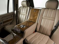 OVERFINCH RangeRover Vogue with Holland & Holland bespoke interior for a nice day out shooting Ranger, Holland, Hummer Cars, Automotive Upholstery, On The Road Again, Luxury Cars, Car Seats, Range Rovers, Motorcycles