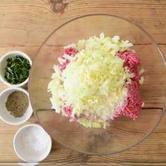 Lihamureke, joka on täysin omaa luokkaansa – näin helposti valmistat sen kotona Potato Salad, Food And Drink, Tasty, Koti, Ethnic Recipes, Food Ideas