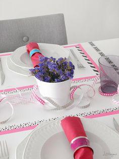 DIY: Viste una mesa con washi tape. Divertida, elegante y x4duros : x4duros.com