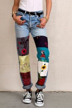 Best Pics Patchwork jeans women and the combination trends for Concepts I really like Jeans ! And even more I like to sew my very own Jeans. Next Jeans Sew Along I am goi Diy Jeans, Women's Jeans, Diy Clothes Jeans, Clothes Refashion, Patchwork Jeans, Patchwork Dress, Painted Jeans, Painted Clothes, Diy Fashion