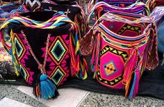 """""""Mochila bags are made by Wayuu Tribeswomen, an indigenous people who live near the borders of both Colombia and Venezuela. Gypsy Bag, Boho Gypsy, Gypsy Soul, Bohemian, Mochila Crochet, Crochet Bags, Bead Crochet, Columbus Day Sale, Ethnic Bag"""