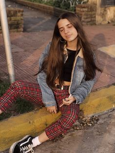brisa🐙 (@DominguezBrii) | Twitter Band Pictures, Strike A Pose, Girl Crushes, My Girl, Hipster, Photos, People, Outfits, Beautiful